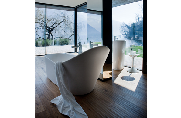 Bathed in Luxury: Laufen Palomba Bathtub