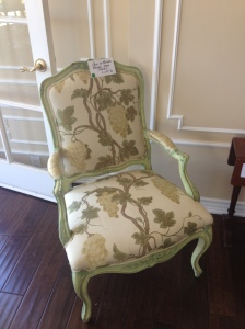 I like the shape and size of this chair, but it isn't anything special. See what I mean about needing to be rehabbed?