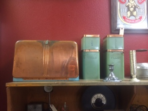 I love the colors on this bread box and the canisters! (I have a thing for canisters lately!)